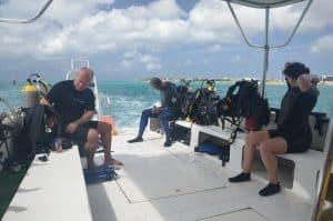 Cómo es el buceo en naufragios en Aruba?